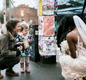 Story of the Day: Μπεμπούλα βλέπει μπροστά της μια νύφη - Την μπερδεύει με πριγκίπισσα του παραμυθιού της & γίνεται viral  - Κυρίως Φωτογραφία - Gallery - Video