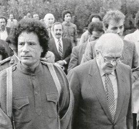 Vintage pic: Ο Ανδρέας Παπανδρέου με τον Λίβυο ηγέτη Μουαμάρ Καντάφι κάποτε στην Κρήτη..... - Κυρίως Φωτογραφία - Gallery - Video