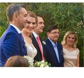 Πανευτυχής ο Θοδωρής Δρακάκης - Πάντρεψε την κόρη του με τον αγαπημένο της Άρη- Έλαμπε η νύφη - Κυρίως Φωτογραφία - Gallery - Video