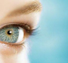 Ασύλληπτο: Αφαίρεσαν 27 φακούς επαφής από το μάτι μιας γυναίκας — Φορούσε επί 35 χρόνια & τους... άφηνε  - Κυρίως Φωτογραφία - Gallery - Video