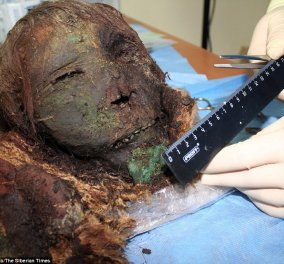 Αυτή η γυναίκα είναι 900 χρονών: Η μούμια της ανακαλύφθηκε στην Ρωσία και είναι τρομακτικά άθικτη (ΦΩΤΟ-ΒΙΝΤΕΟ) - Κυρίως Φωτογραφία - Gallery - Video