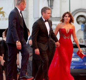 Πρεμιέρα στην Βενετία: η συνήθως σεμνή σύζυγος του Matt Damon σε τολμηρή εμφάνιση - όλοι κοκκίνισαν – φωτό - Κυρίως Φωτογραφία - Gallery - Video