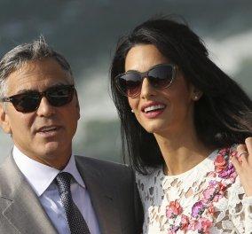 Απαστράπτουσα Amal & κουρασμένος μπαμπάς George Clooney... δείπνο με πεθερά στη λίμνη Κόμο - Κυρίως Φωτογραφία - Gallery - Video