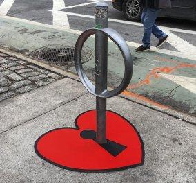 """Καταζητείται ο ιδιοφυής street artist που από το """"τίποτε"""" φτιάχνει έργα τέχνης στη Νέα Υόρκη .. . - Κυρίως Φωτογραφία - Gallery - Video"""