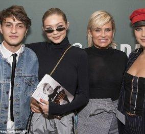 Η Bella & η Gigi Hadid με την μαμά τους & τον αδελφό τους σε τρυφερή οικογενειακή στιγμή - Κυρίως Φωτογραφία - Gallery - Video
