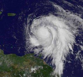 Ο τυφώνας Μαρία ενισχύθηκε φθάνοντας στην κατηγορία 5 - Χτυπά το νησί Δομίνικα της Καραϊβικής - Κυρίως Φωτογραφία - Gallery - Video