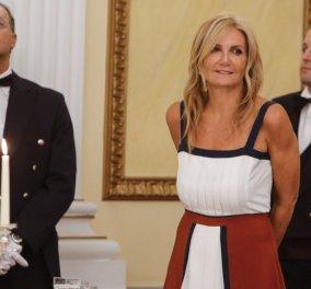 Μαρέβα Μητσοτάκη  Με φόρεμα της δικής τη Zeus   Dion συλλογής στο προεδρικό  δείπνο και 1baf24b7c36