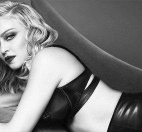 Πιο σέξι από ποτέ: Η Μαντόνα στα 59 της ποζάρει με μαύρα εσώρουχα! - Κυρίως Φωτογραφία - Gallery - Video