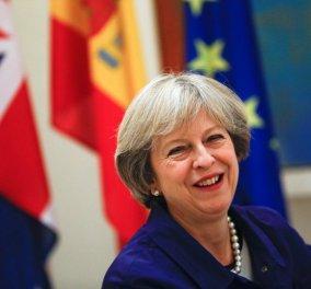 Η Τερέζα Μέι σε Ελληνική εφημερίδα: Θέλουμε Έλληνες στη Βρετανία & οι Βρετανοί λατρεύουμε την χωρά σας  - Κυρίως Φωτογραφία - Gallery - Video