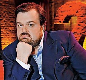Υπέρβαρος Ρώσος δημοσιογράφος σωριάστηκε από την καρέκλα ενώ μιλούσε στο ραδιόφωνο άλλα το γλεντάει (ΒΙΝΤΕΟ) - Κυρίως Φωτογραφία - Gallery - Video