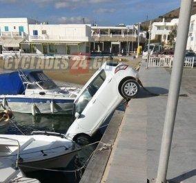 Πάρος: Ξέχασε να βάλει χειρόφρενο και το αυτοκίνητο βρέθηκε στη θάλασσα! (ΦΩΤΟ) - Κυρίως Φωτογραφία - Gallery - Video