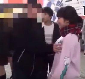 Γιαπωνέζα ακτιβίστρια αφήνει τους περαστικούς να αγγίξουν το στήθος της για την... παγκόσμια ειρήνη (ΒΙΝΤΕΟ) - Κυρίως Φωτογραφία - Gallery - Video