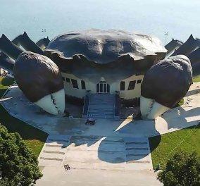Ασύλληπτη αρχιτεκτονική! Οι Κινέζοι έφταιξαν κτίριο σε σχήμα… καβουριού, τη λιχουδιά της περιοχής (ΦΩΤΟ) - Κυρίως Φωτογραφία - Gallery - Video