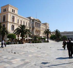 Διακοπές δωρεάν για ένα μήνα στη Σύρο: Φέσι σε ξενοδοχεία άφησε πονηρούλης άνδρας - Κυρίως Φωτογραφία - Gallery - Video