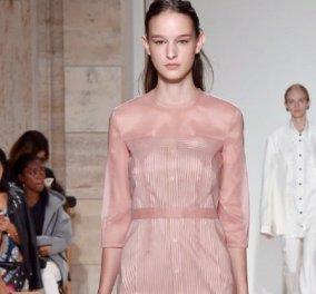 Η .... Lady Victoria Beckham & η αισιόδοξη κολεξιόν της για το ερχόμενο άνοιξη καλοκαίρι σε baby ροζ γαλάζιο φυστικί (ΦΩΤΟ)  - Κυρίως Φωτογραφία - Gallery - Video