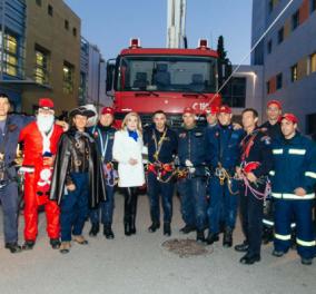 O Άγιος Βασίλης άφησε το έλκηθρο του και πήγε στην Ογκολογική Μονάδα Παίδων με πυροσβεστικό όχημα   - Κυρίως Φωτογραφία - Gallery - Video