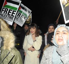 Μπέλα Χαντίντ: Το διάσημο μοντέλο σε πορεία κατά του Τραμπ (ΦΩΤΟ)  - Κυρίως Φωτογραφία - Gallery - Video