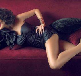 """Η Νίνα Λοτσάρη τραγουδάει για λίγους """"Τρίγωνα κάλαντα"""" με τσαχπινιά & σέξι ύφος (ΒΙΝΤΕΟ) - Κυρίως Φωτογραφία - Gallery - Video"""