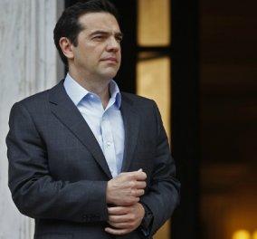 """Αισιόδοξο μήνυμα του Αλέξη Τσίπρα για το 2018: """"Αφήσαμε πίσω το σκοτάδι - Θα είναι μια χρονιά ορόσημο για την Ελλάδα..."""" - Κυρίως Φωτογραφία - Gallery - Video"""