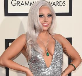 Η Lady Gaga ποζάρει σε παραλία του Malibu και εύχεται καλή χρονιά!  - Κυρίως Φωτογραφία - Gallery - Video