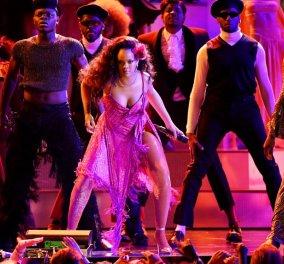 Βίντεο WiLd Rihanna: Χόρεψε στα Grammy - Ενθουσίασε με τις αισθησιακές κινήσεις & την φωνάρα της  - Κυρίως Φωτογραφία - Gallery - Video