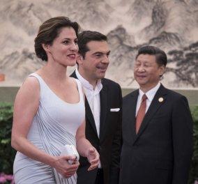 Νίκος Μωραΐτης: Για πρώτη φορά η Ελλάδα αποκτά πρώτη κυρία - Την Μπέτυ Μπαζιάνα - Κυρίως Φωτογραφία - Gallery - Video