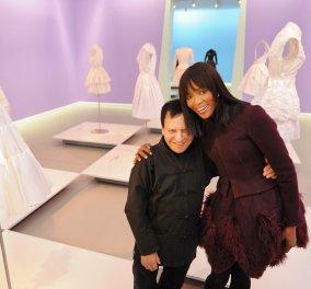 Όταν η Ναόμι Κάμπελ φορούσε Αζεντίν Αλαϊά και τα σκίτσα τα έκανε ο μέγας Thierry Perez (BINTEO) - Κυρίως Φωτογραφία - Gallery - Video