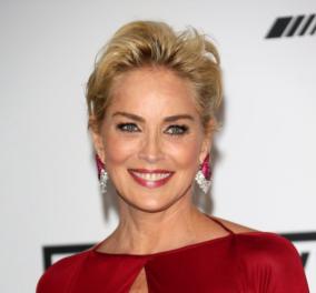 Η λαμπερή Sharon Stone σε ασπρόμαυρη vintage pic σαν βασίλισσα: Φοράει κορόνα και εντυπωσιάζει!  - Κυρίως Φωτογραφία - Gallery - Video