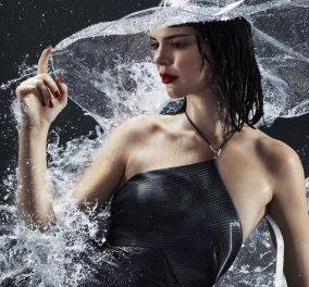 Η Κένταλ Τζένερ όπως δεν την έχετε δει ποτέ! - Σχεδόν γυμνή κάτω από δύο υπέροχα αδιάβροχα της Chanel για το Harpers Bazaar (ΦΩΤΟ- ΒΙΝΤΕΟ) - Κυρίως Φωτογραφία - Gallery - Video