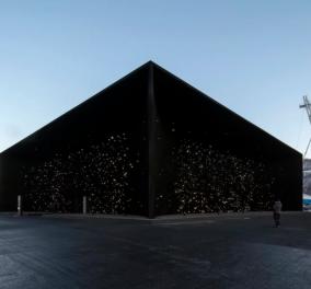 Βρετανός αρχιτέκτονας αναδεικνύει την ομορφιά του πιο σκοτεινού κτηρίου του πλανήτη που κατασκεύασε (ΦΩΤΟ)  - Κυρίως Φωτογραφία - Gallery - Video