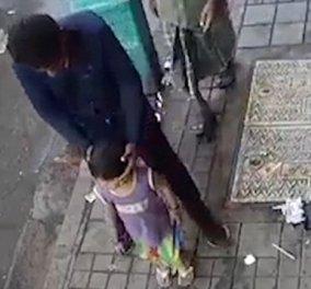 Βίντεο από κάμερα ασφαλείας κάνει τον γύρο του διαδικτύου: Απήγαγαν κορίτσι στην Ινδία μπροστά στον πατέρα της  - Κυρίως Φωτογραφία - Gallery - Video