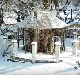 Μαγευτικές λήψεις από drone: Το μοναδικό εκκλησάκι που βρίσκεται μέσα στο κοίλωμα τεράστιου πλατάνου (ΒΙΝΤΕΟ) - Κυρίως Φωτογραφία - Gallery - Video
