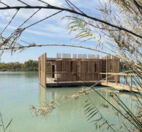 10 σουίτες δωρικής λιτότητας μέσα σε λίμνη: Ένα ξενοδοχείο που επιπλέει! (ΦΩΤΟ - ΒΙΝΤΕΟ) - Κυρίως Φωτογραφία - Gallery - Video