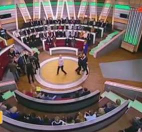 Ρώσικη τηλεόραση: Ο παρουσιαστής πλακώθηκε στο ξύλο με πολιτικό αναλυτή σε ζωντανή εκπομπή    - Κυρίως Φωτογραφία - Gallery - Video