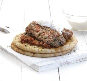 Η Αργυρώ στα κέφια της προτείνει: Πεντανόστιμο κεμπάπ γιαουρτλού, με τέλεια σάλτσα εζμέ  - Κυρίως Φωτογραφία - Gallery - Video
