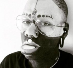Story of day: Λευκός Βρετανός έγινε μαύρος αφού επί 10 χρόνια έκανε ακραίες αλλαγές σε δέρμα & μαλλιά (ΦΩΤΟ - BINTEO) - Κυρίως Φωτογραφία - Gallery - Video