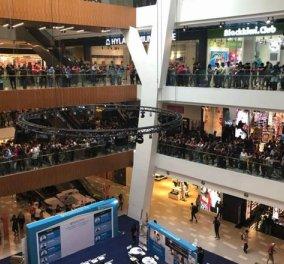 Μαλαισία: Προσφορά iPhone 5s στα €50 - Γέμισε το εμπορικό με 11.000 ανθρώπους (ΦΩΤΟ - ΒΙΝΤΕΟ) - Κυρίως Φωτογραφία - Gallery - Video