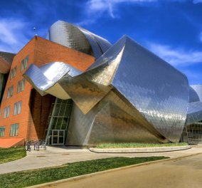 Η αρχιτεκτονική σε όλο της το μεγαλείο: Τα top 10 πιο φανταχτερά κτήρια του Frank Gehry - Κυρίως Φωτογραφία - Gallery - Video