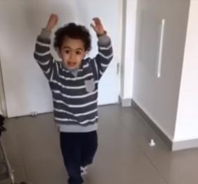 Ο πιο απολαυστικός πιτσιρικάς! Κλωτσάει την μπάλα και μένει άναυδος με το αποτέλεσμα (ΒΙΝΤΕΟ) - Κυρίως Φωτογραφία - Gallery - Video