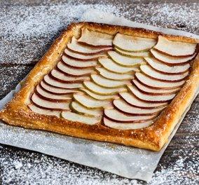 Η εξαιρετική Αργυρώ Μπαρμπαρίγου δημιουργεί μηλόπιτα με τραγανή σφολιάτα και μελωμένα μήλα - Κυρίως Φωτογραφία - Gallery - Video