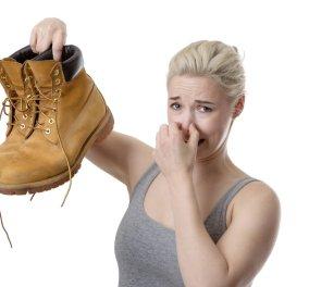 Αντιμετωπίστε την κακοσμία των παπουτσιών σας με ένα απλό τρικ!  - Κυρίως Φωτογραφία - Gallery - Video