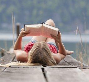 Ποια είναι τα πιο πολυδιαβασμένα βιβλία του κόσμου; Από την «Κόκκινη Βίβλο» μέχρι το «Ημερολόγιο της Άννας Φρανκ» - Κυρίως Φωτογραφία - Gallery - Video