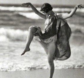 Ισιδώρα Ντάνκαν: Η «ξυπόλητη» κορυφαία χορεύτρια λάτρεψε την Ελλάδα, έχασε & τα 3 παιδιά της & πνίγηκε από το φουλάρι της (ΦΩΤΟ) - Κυρίως Φωτογραφία - Gallery - Video