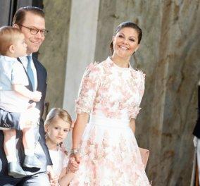 Γάλλος μεσόκοπος φωτογράφος χάιδεψε σε επίσημη τελετή Νόμπελ την πριγκίπισσα Βικτόρια της Σουηδίας (ΦΩΤΟ) - Κυρίως Φωτογραφία - Gallery - Video