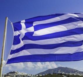 Φωτό- βίντεο: Εδώ Ελλάδα! Στην Αλεξανδρούπολη ύψωσαν την μεγαλύτερη ελληνική σημαία 600 τ.μ.! - Κυρίως Φωτογραφία - Gallery - Video