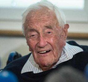 Διάσημος βοτανολόγος πέθανε με ευθανασία στα 104 ακούγοντας την Ωδή στη Χαρά του Μπετόβεν- Τελευταίο δείπνο ψάρι με πατάτες (ΦΩΤΟ-ΒΙΝΤΕΟ) - Κυρίως Φωτογραφία - Gallery - Video