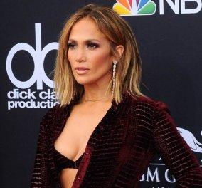 Κόκκινα χαλιά χωρίς ανάσα: Billboard Awards 2018: οι καλοντυμένες, οι μουρλές & οι κυρίες «βγήκα με το βρακί μου» (ΦΩΤΟ) - Κυρίως Φωτογραφία - Gallery - Video