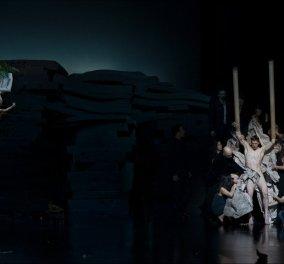 Παγκόσμια πρεμιέρα & θρίαμβος του Δημήτρη Παπαϊωάννου στο Βούπερταλ: 36 χορευτές ύμνος στην Πίνα Μπάους (ΦΩΤΟ) - Κυρίως Φωτογραφία - Gallery - Video