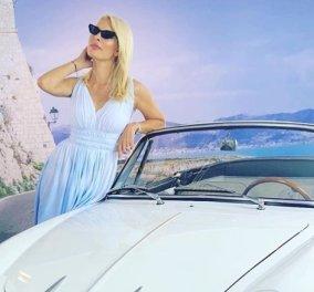Τέλεια φωτό καλοκαιριού: Η Ελένη Μενεγάκη με το μπικίνι της κι έναν κύκνο στην παραλία της Άνδρου  - Κυρίως Φωτογραφία - Gallery - Video