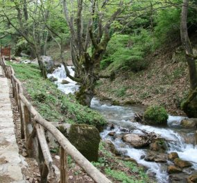 Το μαγευτικό Περτούλι από ψηλά: Ένα ελληνικό χωριό βγαλμένο από παραμύθι! (ΒΙΝΤΕΟ) - Κυρίως Φωτογραφία - Gallery - Video